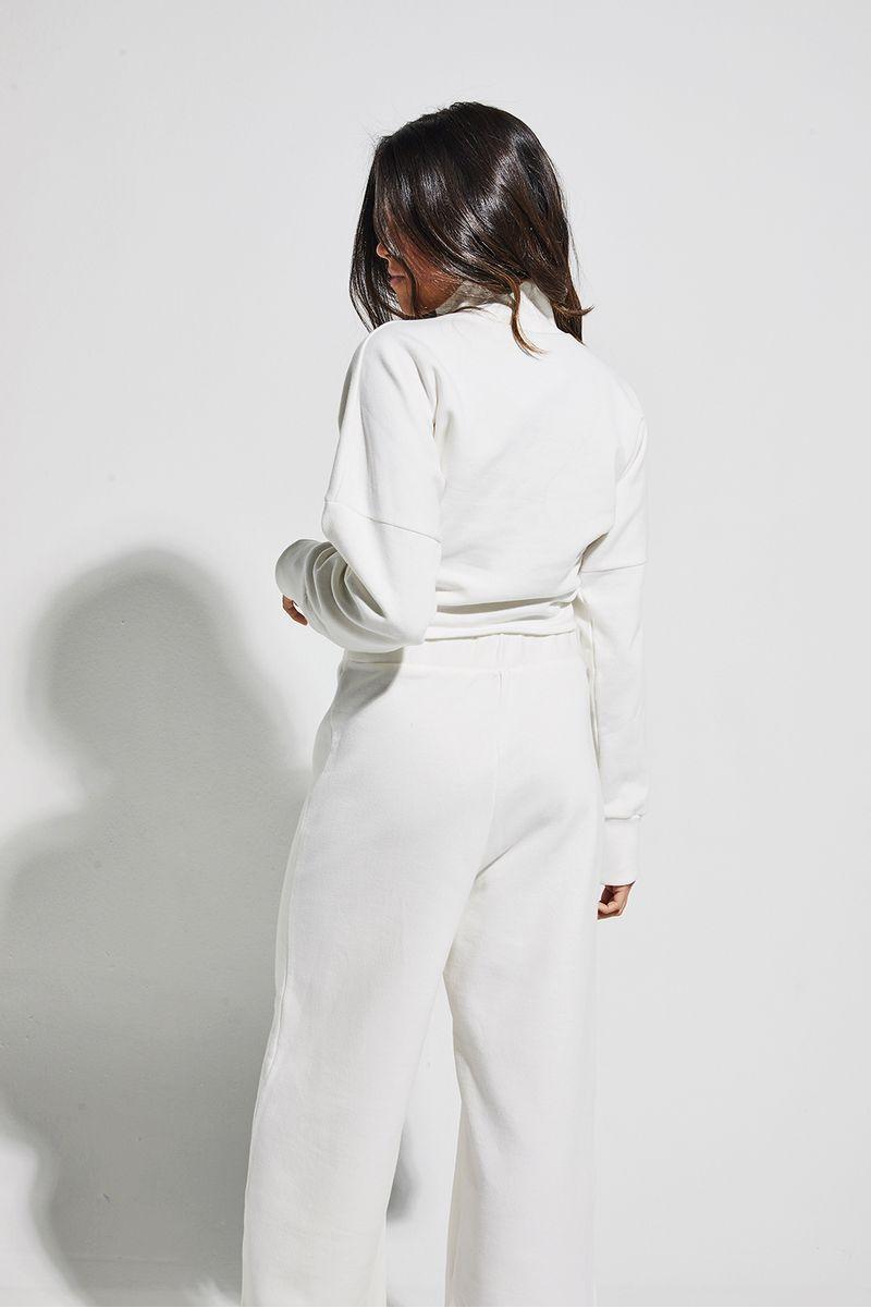 calca-midi-moletom-branca-costas