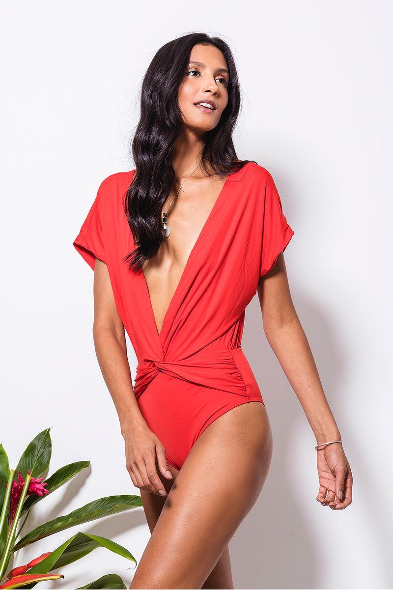 maio-kimono-no-vermelho-frente