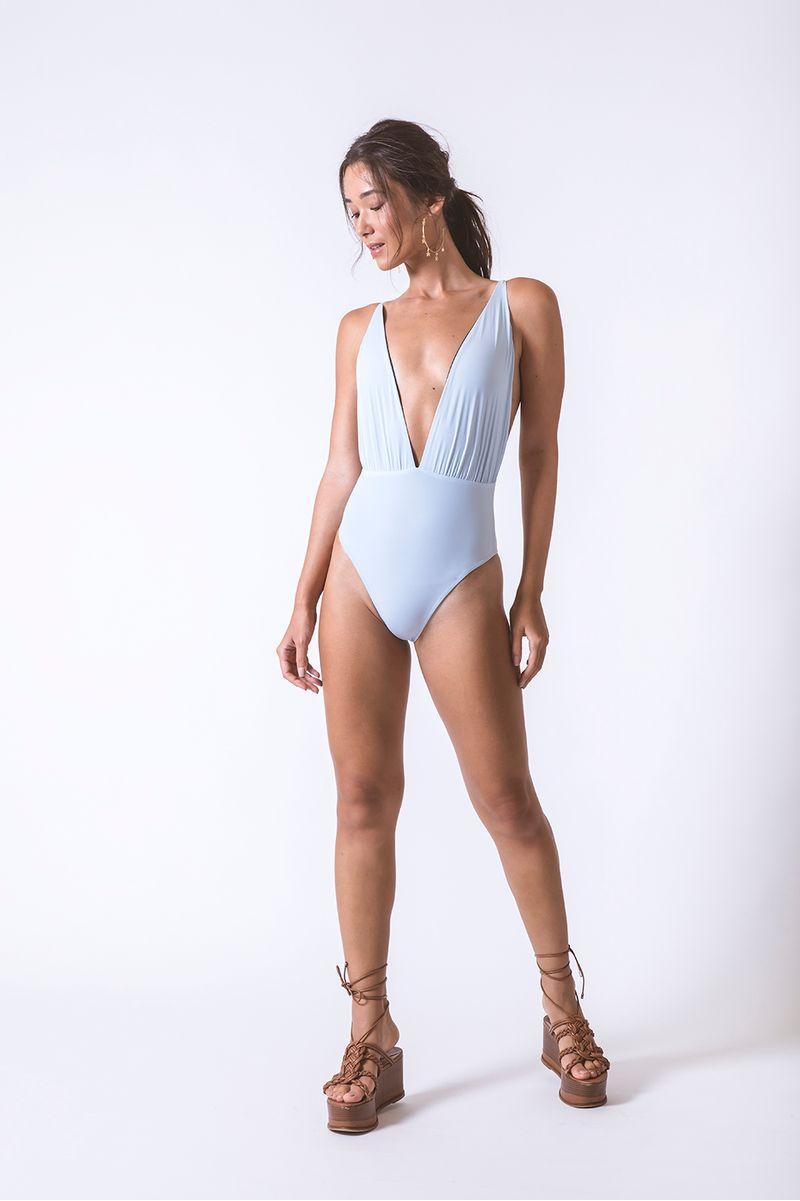 maio-decote-azul