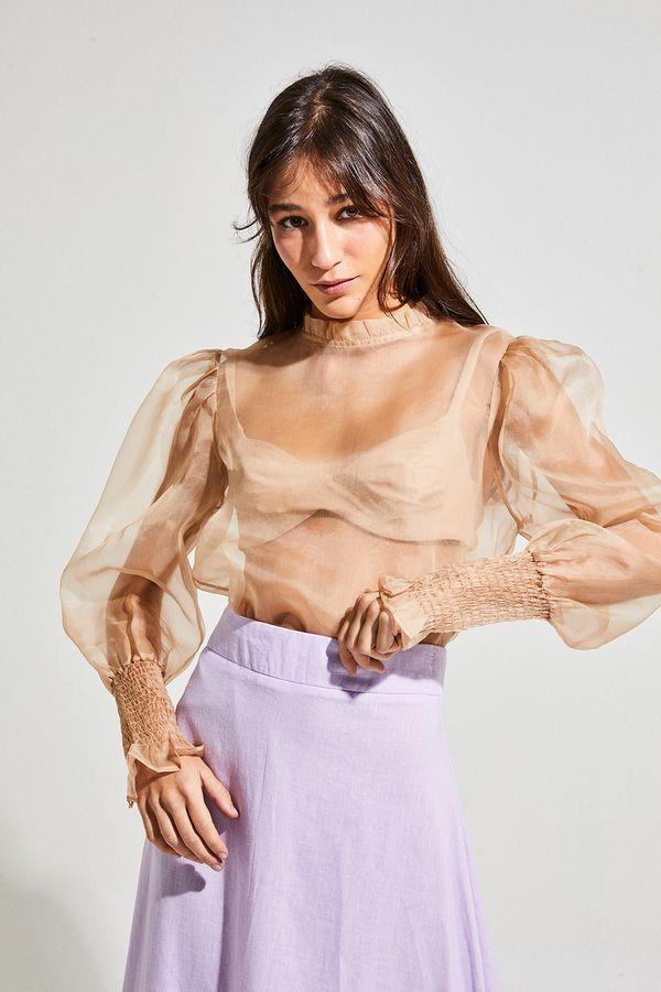 camisa-organza-bege